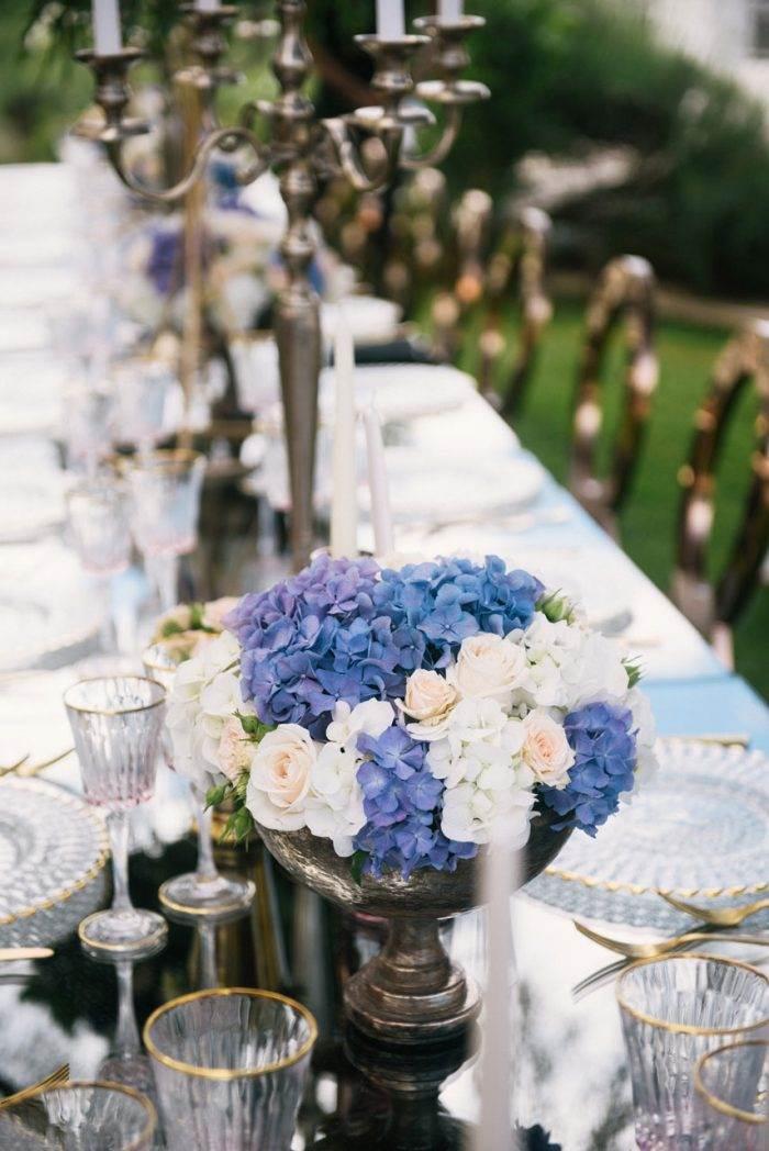 immagini-di-matrimonio-centro-tavola-ortensie-blu