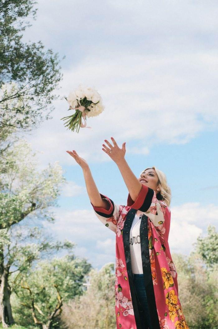 immagini-di-matrimonio-lancio-del-bouquet