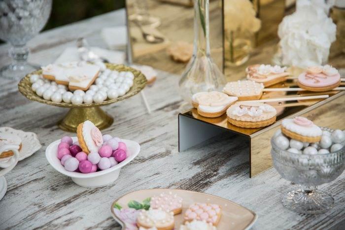immagini-di-matrimonio-tavolo-dei-dolci-shabby-chic