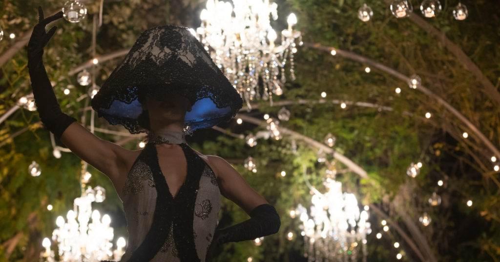 spettacoli per matrimoni ballerina lampadario