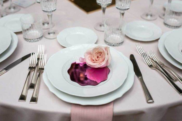 foto eventi rosa su piatto
