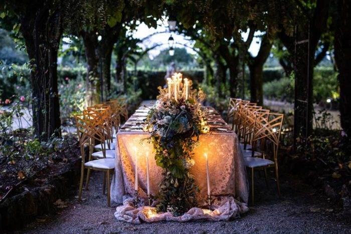 immagini di matrimonio tavolata all'aperto