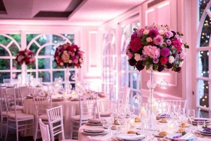 immagini di matrimonio tavolo con rose